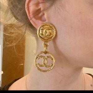CHANEL PREOWNED GOLD SWIRL DROP EARRINGS